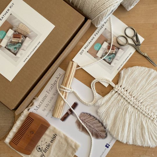 Macramé Single Feather Craft Kit